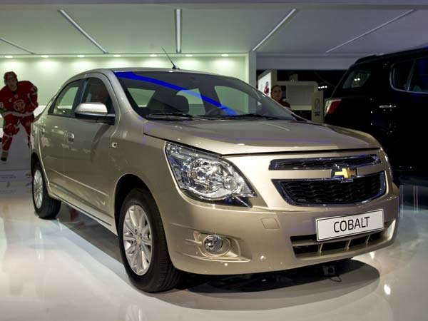 gm acknowledge ignition switch problem 10 years back