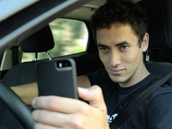 iam study reveals drivers take selfies