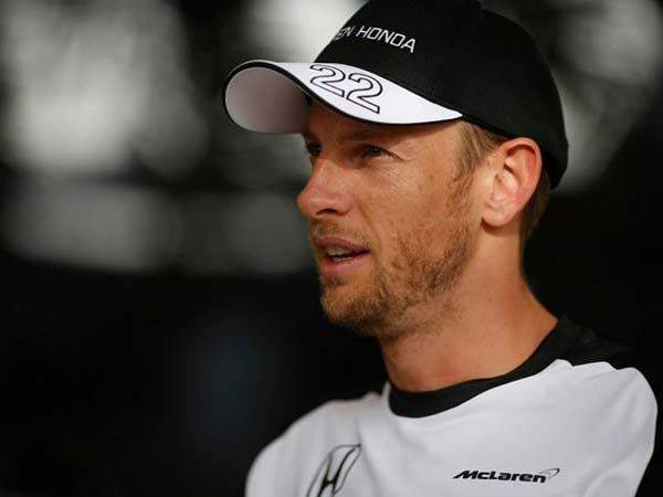 jenson button robbed in paris
