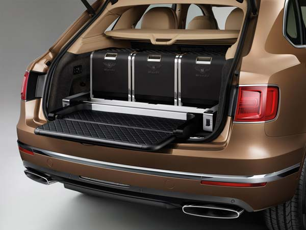 Bentley Bentayga: Rear Storage