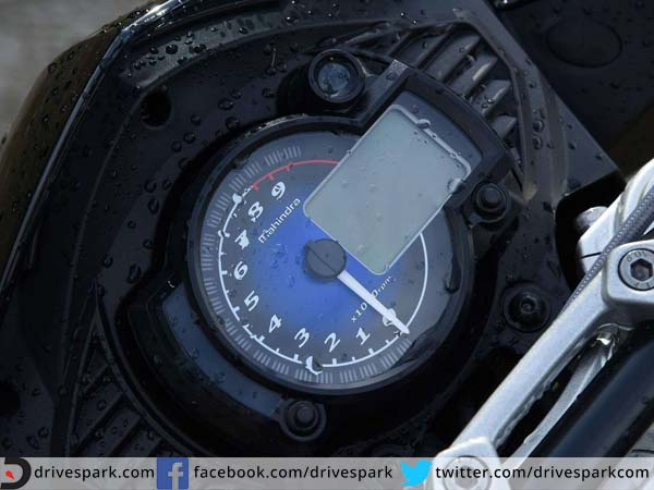 mahindra mojo review instrument cluster