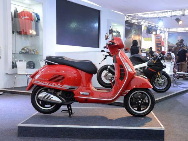 piaggio vespa showroom – idee per l'immagine del motociclo