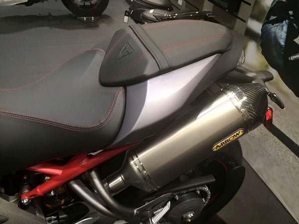 2016 triumph speed triple exhaust