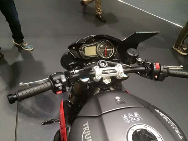 2016 triumph speed triple instrument console