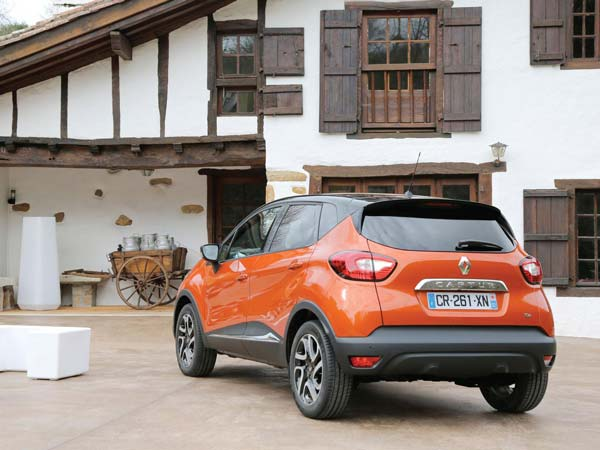 renault captur rear profile