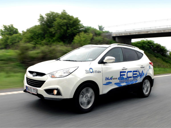 hyundai delivers 50 fuel cell vehicles to europe