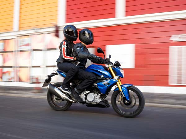 bmw g 310 r motorcycle in action
