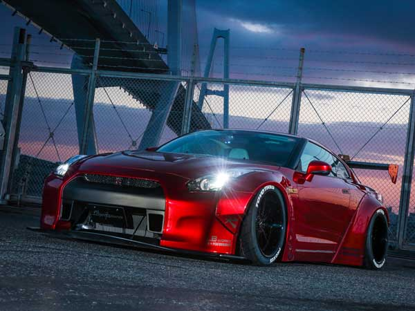 liberty walk nissan gtr front left