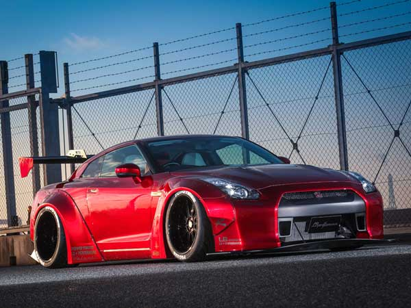 liberty walk nissan gtr front right