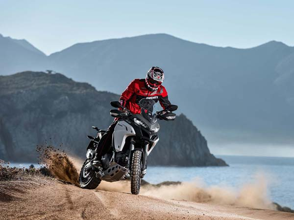 eicma 2015 ducati multiStrada 1200 enduro 2016 model action shot wallpaper
