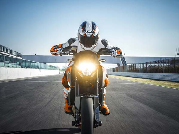eicma-2015-ktm-690-duke  head lamp