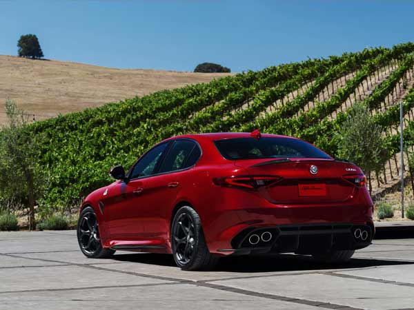 alfa romeo giulia rear design