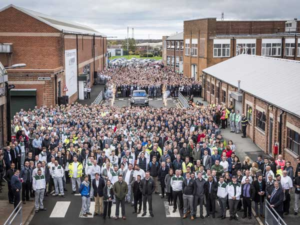 bentley bentayga rolls off production