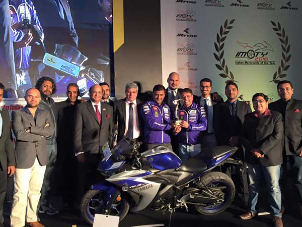 yamaha r3 motorcycle of the year