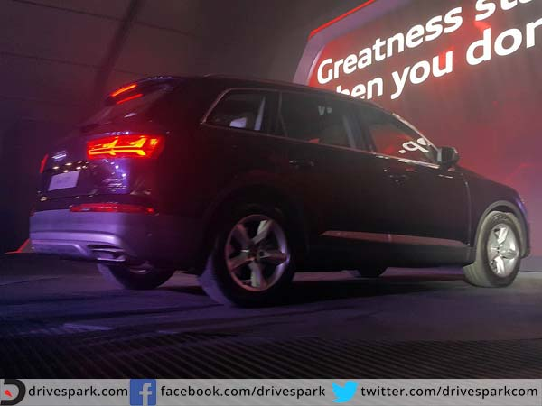 audi Q7 launched in india rear profile