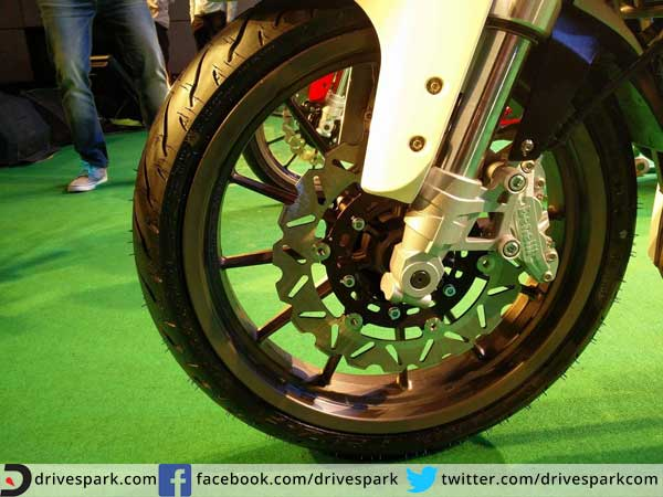 benelli tnt25 launched in india wheel