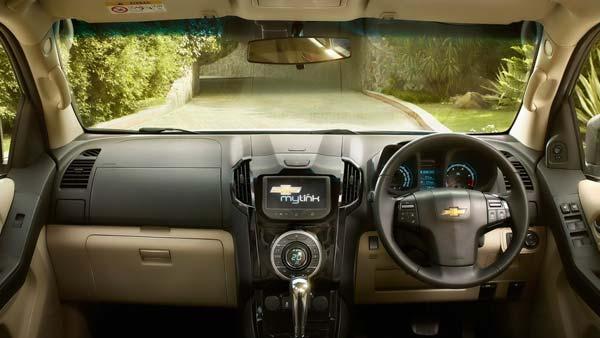Comparison Chevrolet Trailblazer Vs Ford Endeavour Drivespark News