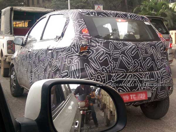 datsun redi-go spy shot rear profile