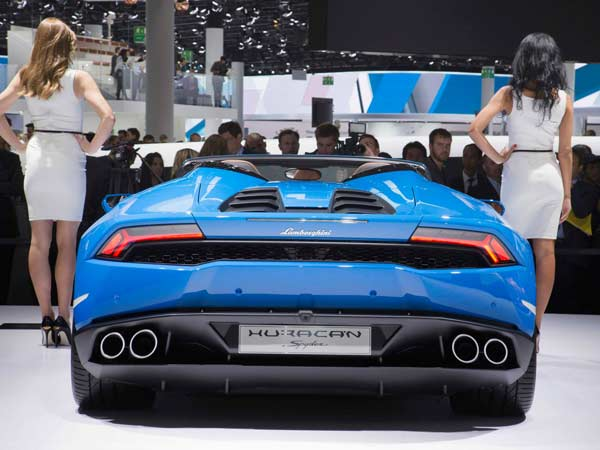 lamborghini huracan spyder india launch rear profile