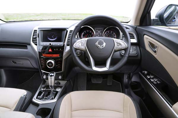 ssangyong tivoli india interior