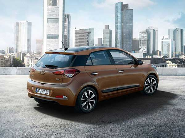 2016 hyundai i20 i20 active gets dual airbags as standard drivespark news. Black Bedroom Furniture Sets. Home Design Ideas