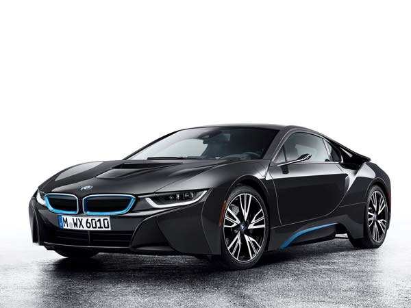 bmw i8 mirrorless concept front three quarter profile
