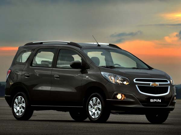chevrolet spin auto expo debut