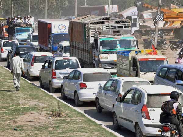 delhi truck entry after 11pm to curb pollutiion