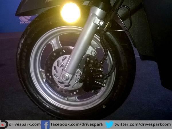 125cc Scooter Comparison Honda Activa Vs Mahindra Gusto
