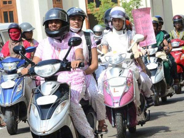indore free driving licence for women