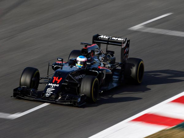 fernando alonso confirms racing with mclaren till 2017 drivespark news. Black Bedroom Furniture Sets. Home Design Ideas