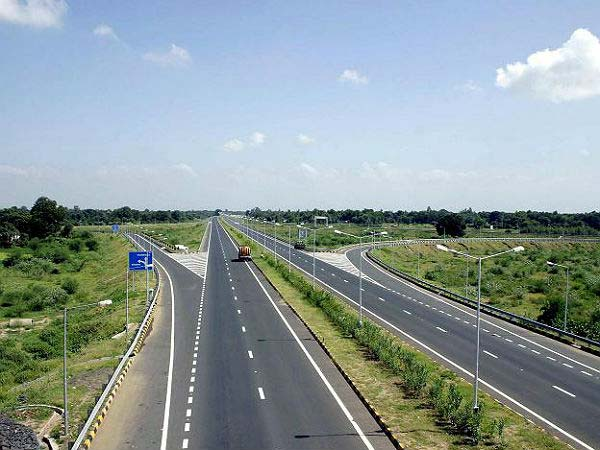 government to fix accident spots on national highways
