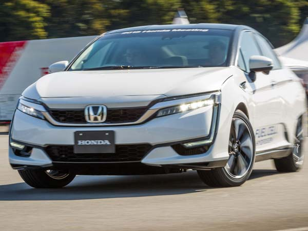 honda rolls out five-seater clarity