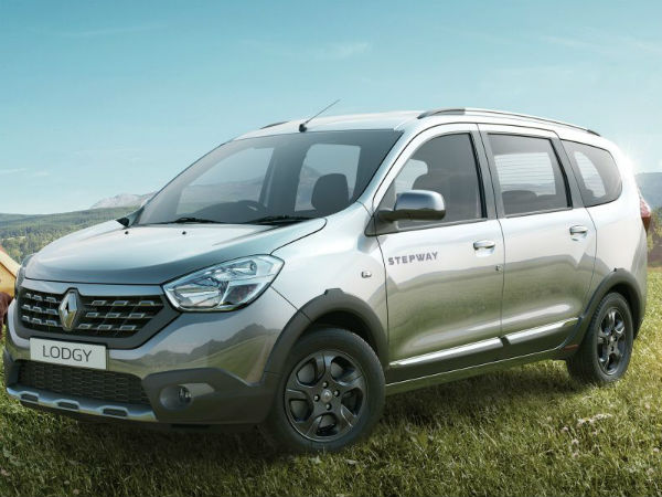 renault lodgy mpv offered with benefits worth rs lakh drivespark news. Black Bedroom Furniture Sets. Home Design Ideas