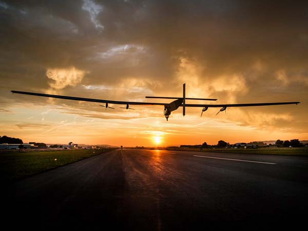 solar impulse 2 begins its second half journey around the globe