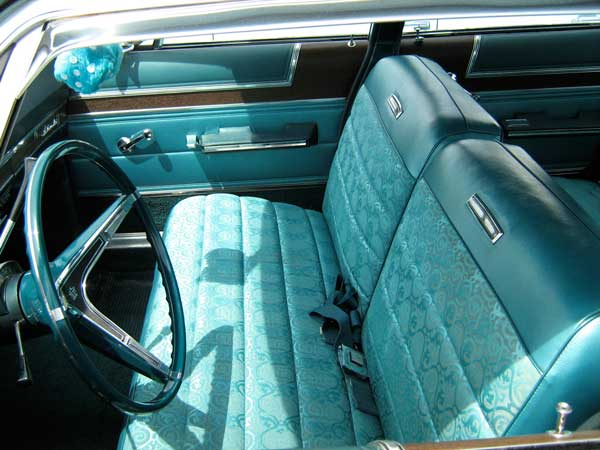 Why Front Bench Seats On Cars Are Not Preferred Choice Anymore
