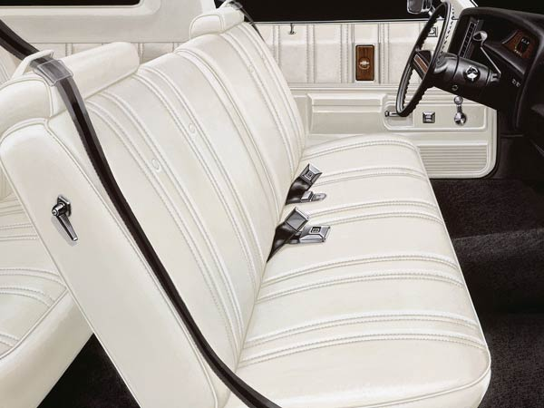 why front bench seats on cars are not preferred choice anymore drivespark. Black Bedroom Furniture Sets. Home Design Ideas