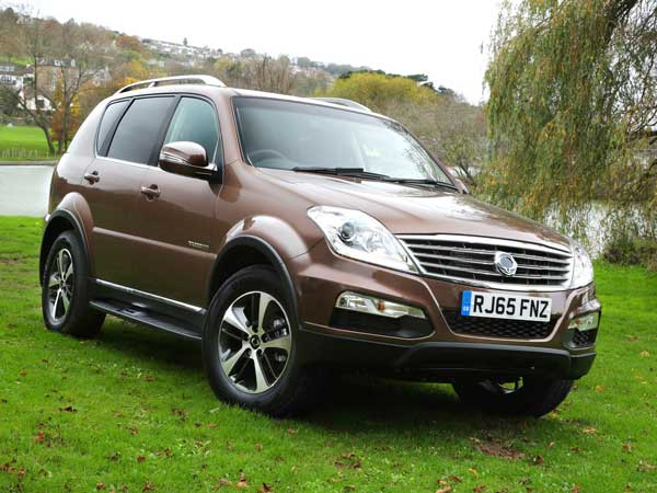ssangyong rexton to be redesigned in 2017 coming to india drivespark news. Black Bedroom Furniture Sets. Home Design Ideas