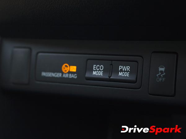 new-toyota-innova-crysta-features-in-detail