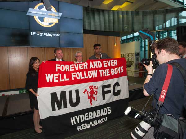 chevrolet takes football fan to manchester united football club