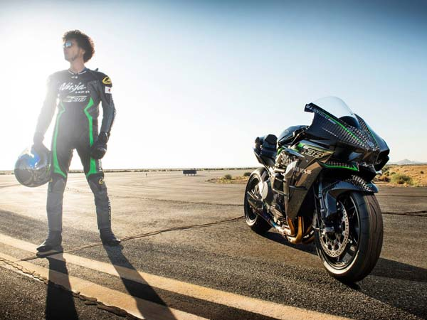 Kawasaki Ninja H2r Speed Record At Bonneville Speed Week