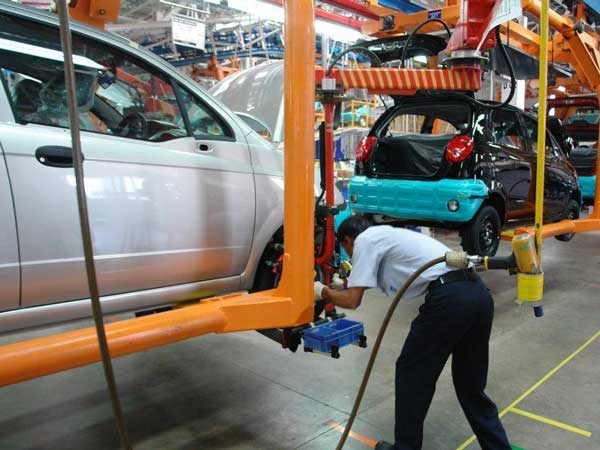 US Carmakers In India To Review Future Strategy And Investment Plans