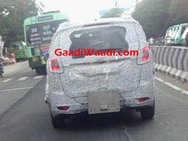 Mahindra TUV500 MPV Spotted Under Wraps In Chennai