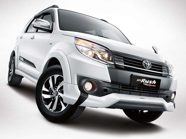 Upcoming Cars In India 2016: Upcoming Toyota Cars In India 2016-17