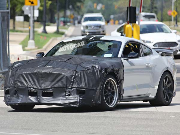 2018 Ford Mustang Shelby Gt500 Spotted Testing Rumored To Produce