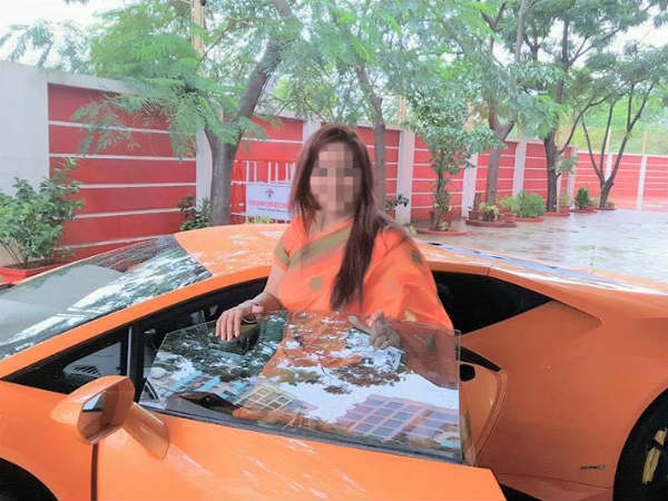 mla's wife crashes lamborghini huracan