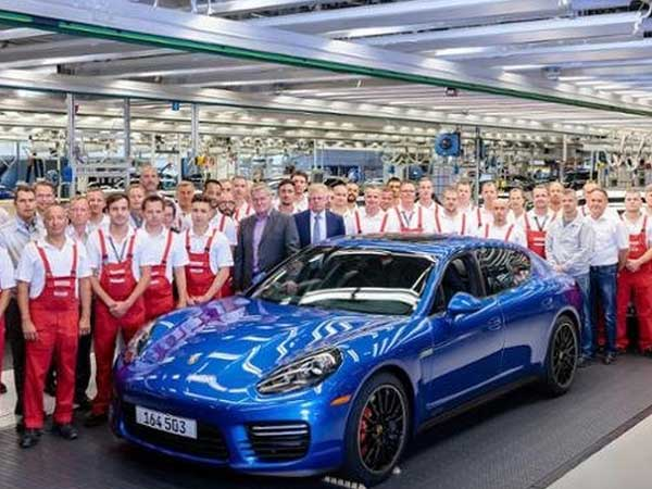 Porsche Rolls Off The Last Panamera Of Its Kind