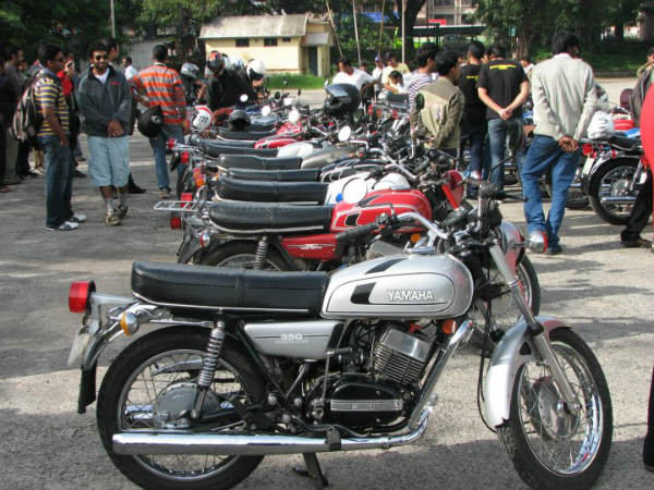 Relaunch The Yamaha RD 350 - Petition By A Fan - DriveSpark News