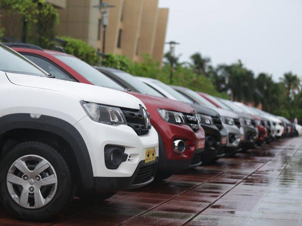 renault india delivers 400 cars in kerala