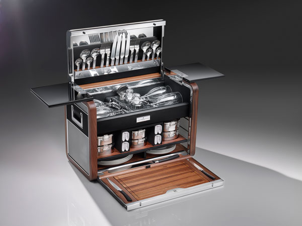 Rolls Royce Celebrates Phantom Zenith Collection With Bespoke-Commissioned Picnic Hamper